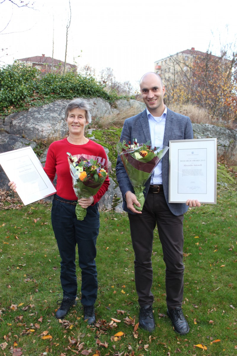 Kerstin Wiklander, received the Pedagogical Award and Alexandre Antonelli the Research Award for 2015
